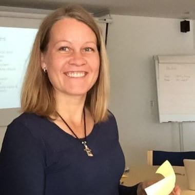 Dr. Niina Kayhko
